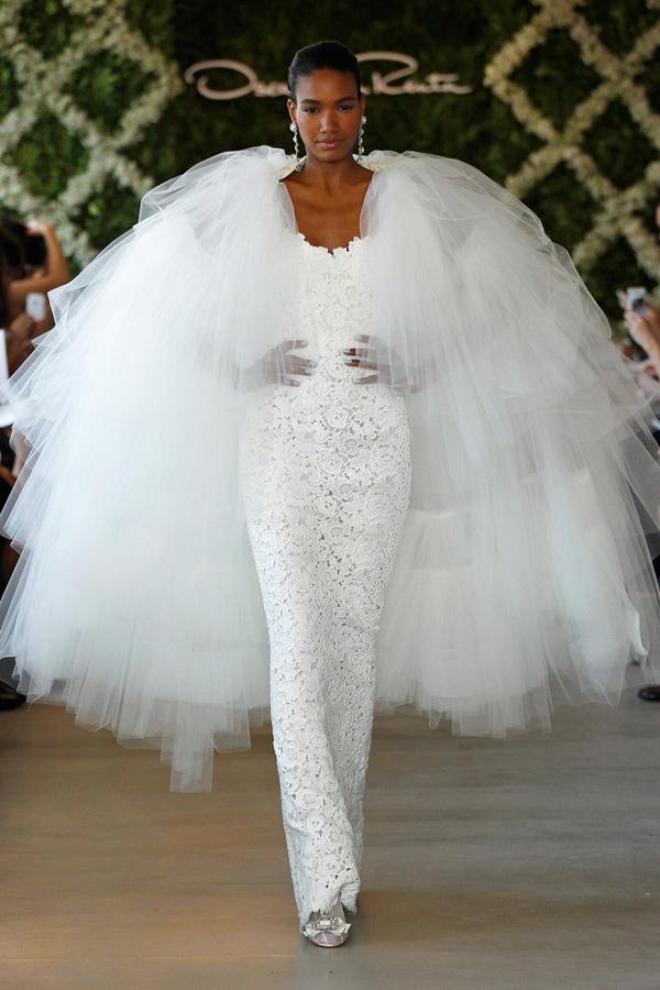 Oscar-de-la-Renta-Spring-2013-White-floral-bridal-gown